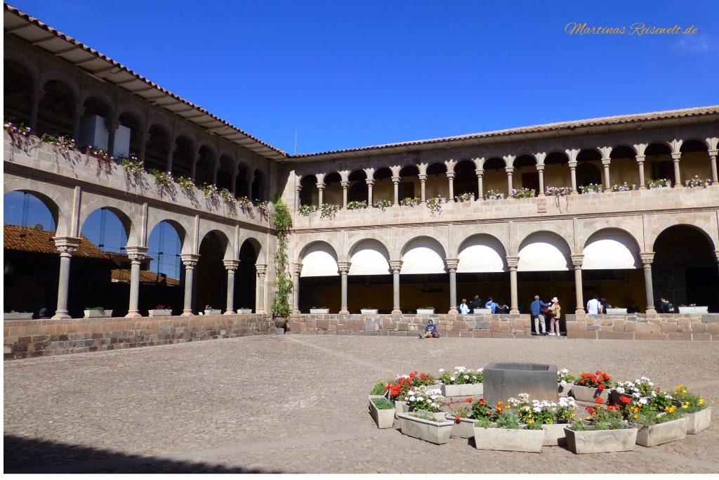 Innenhof im Convento de Santo Domingo