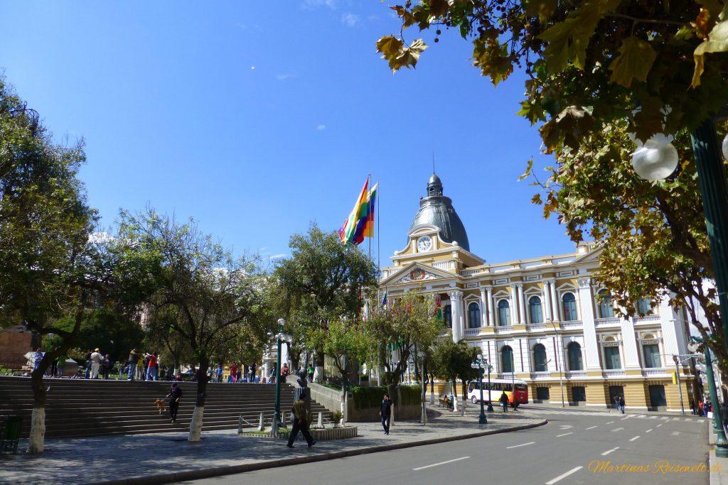 Blick auf den Plaza Murillo und den Regierungspalast