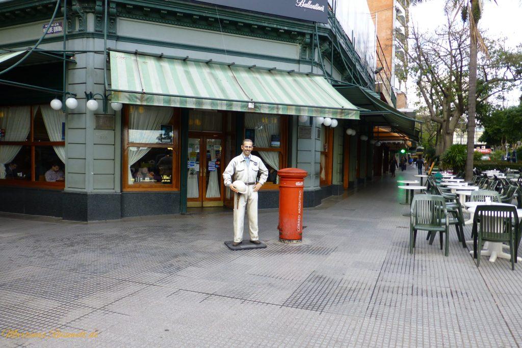 hier findet man viele Cafés und Restaurants