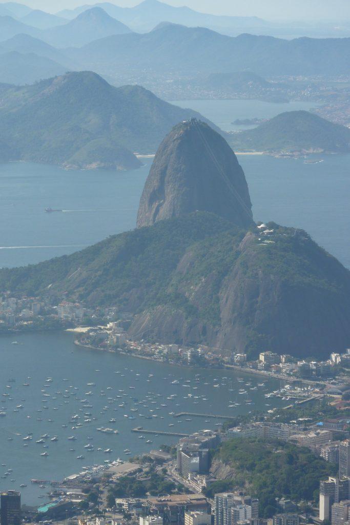 Blick vom Corcovado auf den Zuckerhut