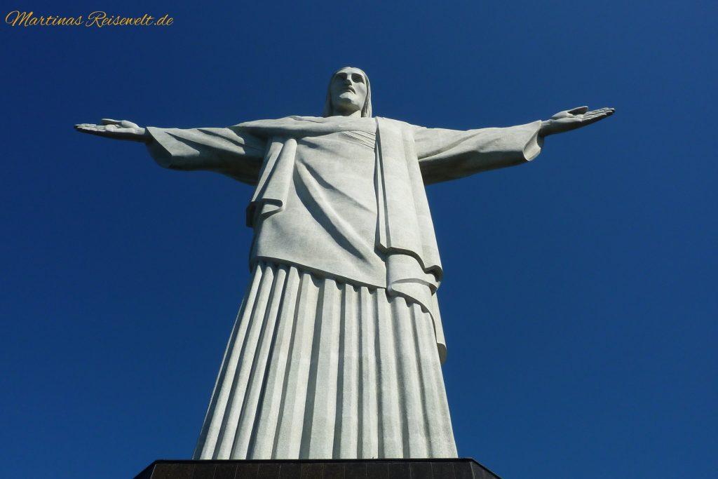 die beeindruckende Christusstatue