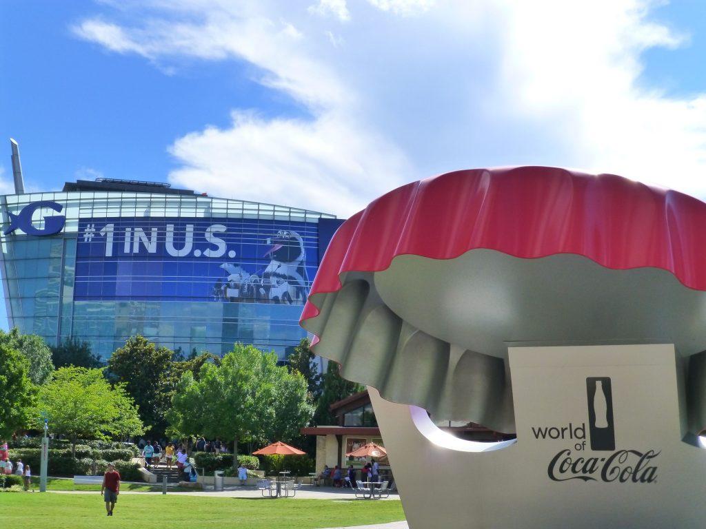 Georgia Aquarium und Infostand zur World of Coca-Cola