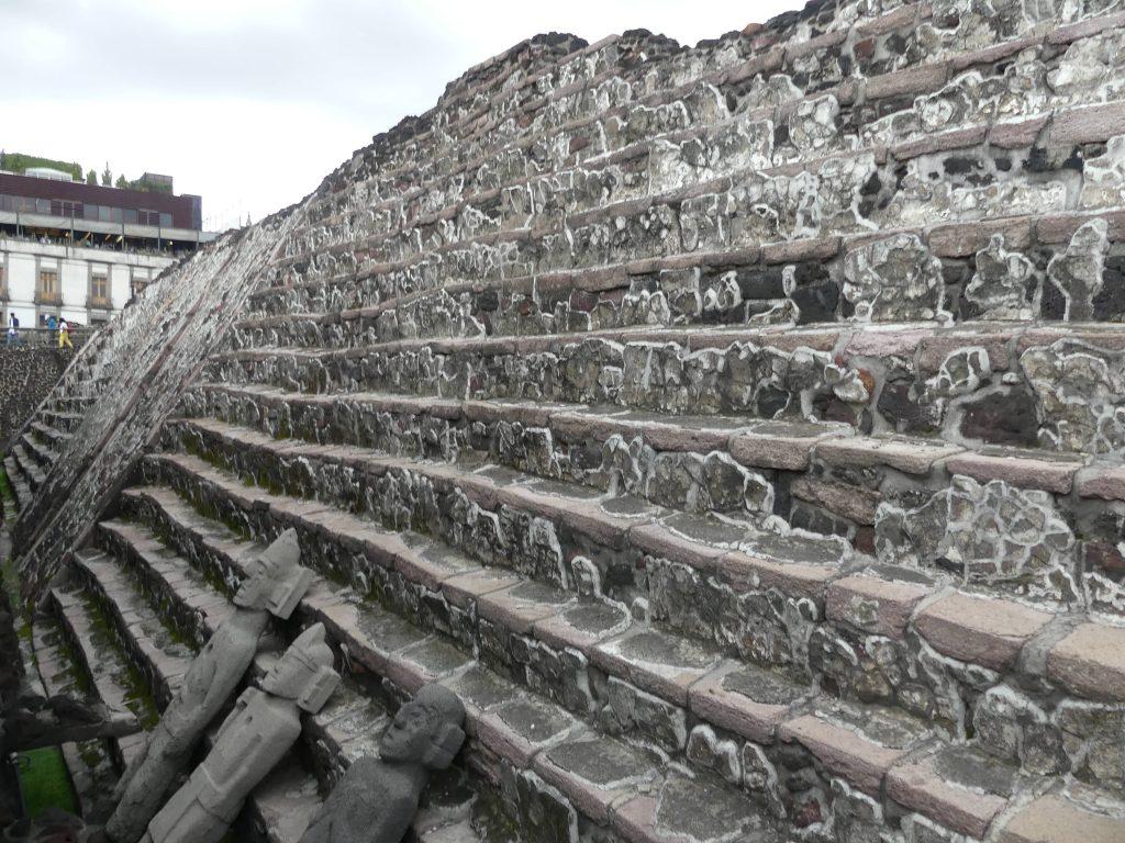 Tenochtitlan, Templo Mayor, steinerne Zeugen der Zeit