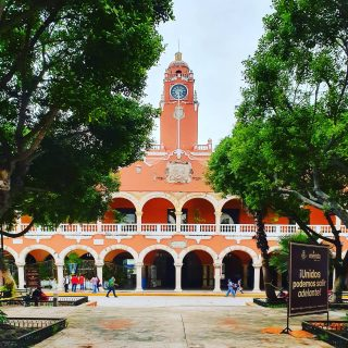 Das Rathaus von Merida, Yucatan. . . . #meridayucatan #merida #mexico #mexiko #yucatanpeninsula #yucatanmexico #yucatán #yucatan #rathaus #entdecken #reiseblog #reisebloggerin #reiseblogger #martinasreisewelt