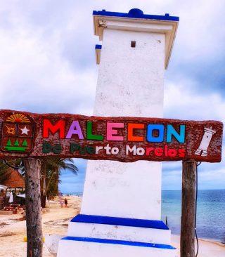 Der schiefe Leuchtturm von Puerto Morelos mit nettem Fotospot.🙂🙂🙂 . . . #puertomorelos #puertomorelosmexico #rivieramayamexico #leuchtturm #malecon #vitaminsea #wahrzeichen #instatravel #travelphotography #travelgram #entdecken #martinasreisewelt