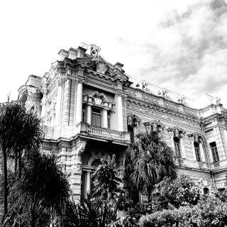 Noch eine Foto-Zeitreise in die Vergangenheit. Ich stelle mir vor, dass vielleicht so ein Foto vom Palacio Cantón um 1910 entstanden sein könnte. Was meint ihr? . . . #palaciocanton #meridayucatan #yucatanpeninsula #yucatanmexico #yucatan #zeitreise #entdecken #reisefotografie #reisebloggerin #travelphotography #travelinspiration #instatravel #martinasreisewelt