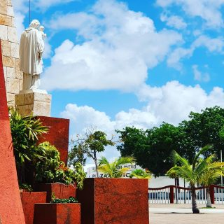Kirchplatz in Bonfil. . . . #alfredovbonfil #quintanaroomexico #quintanaroo  #cancun #cancunmexico #kirche #kirchplatz #church #iglesia #wolkenhimmel #cloudsofinstagram #cloudsky #reisefotografie #reiseblog #mexikoreise #martinasreisewelt