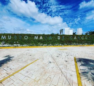Museo Maya de Cancun. Direkt in der Hotelzone. . . . #museomayadecancun #cancun #cancunmexico #hotelzone #zonahotelera #museo #museum #maya #culturamaya #mayaculture #entdecken #besichtigen #reisen #mexikoreise #mexiko #reiseblog #reisefotografie #reisebloggerin #martinasreisewelt