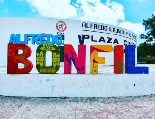 Platz in Bonfil. . . . #alfredovbonfil #quintanaroomexico #quintanaroo #mexiko #mexico #martinasreisewelt